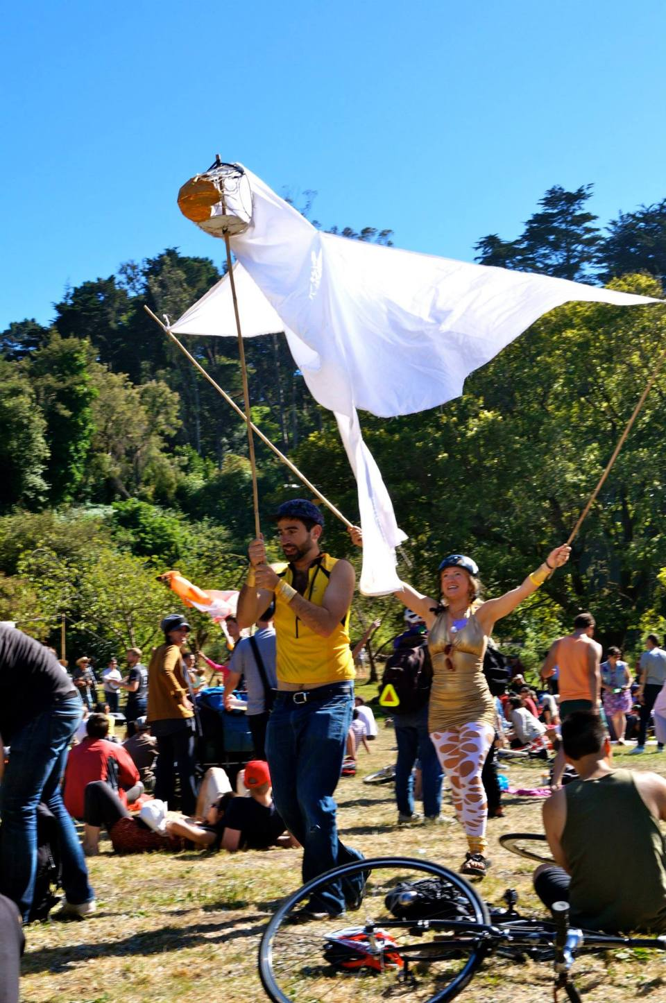 NEED PUPPETEER VOLUNTEERS!  10/13/13 AT SUNDAY STREETS!